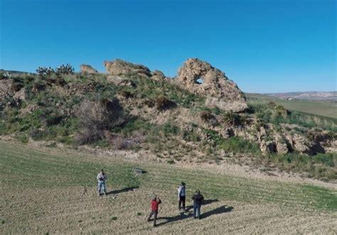 Geländerhöhe by Archeologia Scoperta A Gela Una Quot Pietra Calendario Quot