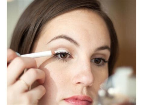 9 Simple Makeup Tricks From - 9 simple makeup tricks musely