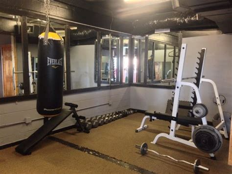Boxing Room by 1 Of 2 Dumbbell Racks 1 To 100lbs Picture Of Treasure
