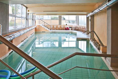 piscina bagni di lucca idrokinesiterapia omnia fkt lucca