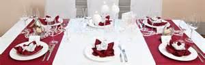 dekoration rot tischdeko rubinhochzeit ratgeber