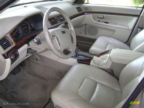 1999 Volvo S80 Interior by Light Sand Interior 2001 Volvo S80 2 9 Photo 54069042