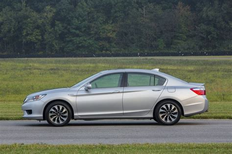 Stop L Honda Accord 2014 Up 2014 honda accord hybrid driven at 50 mpg and 30k does it add up
