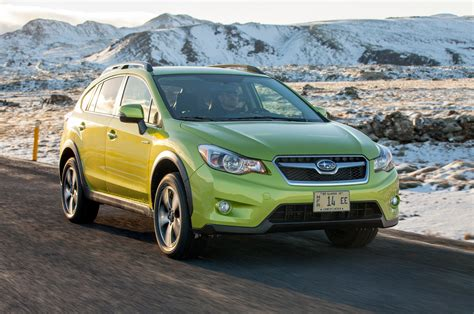 subaru xv green 2014 subaru xv crosstrek hybrid green front three quarters