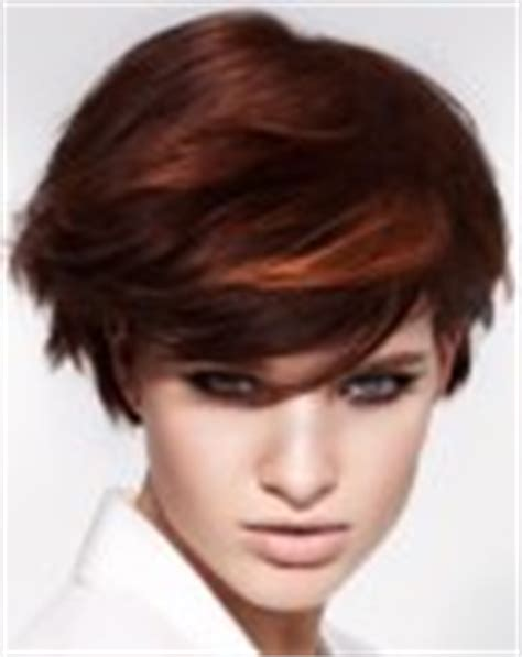 just below the ears hairstyles short hairstyle with a cutting line just below the ear lobe
