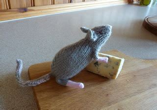 knitting pattern rat yellow pink and sparkly roger the rat