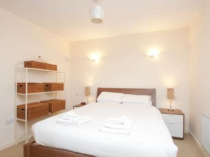late rooms bristol cleyro apartments harbourside deals reviews bristol laterooms