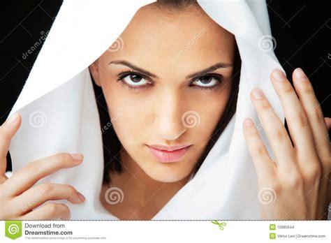 imagenes mujeres arabes con velo cara de la mujer con velo imagenes de archivo imagen