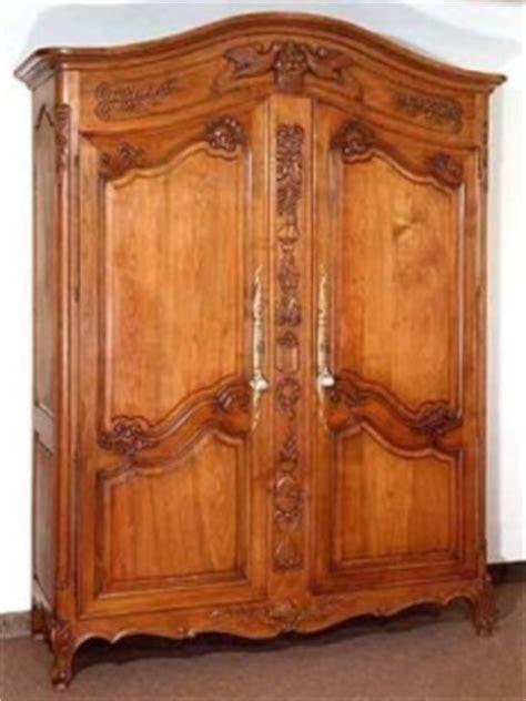 alter kleiderschrank armadi antichi mobili antichi