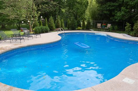 25 Excellent Backyard Swimming Pools Pixelmari Com Backyard Wading Pool