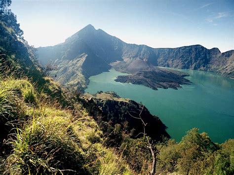 tempat wisata di indonesia gunung rinjani tempat wisata terindah di indonesia rinjani