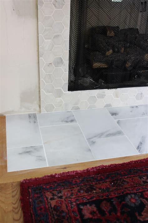 Faux Marble Fireplace Surround by Diy Faux Fireplace Surround Thewhitebuffalostylingco