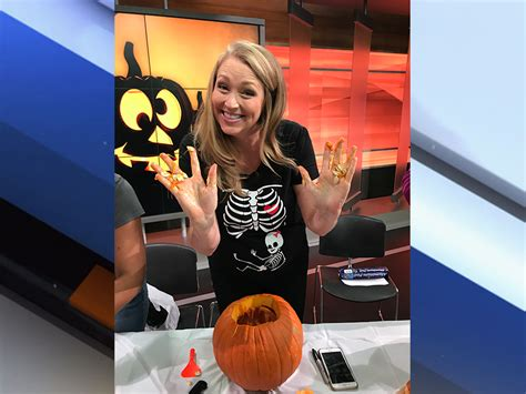 abc newscasters photo gallery photo gallery the great pumpkin carving battle with abc