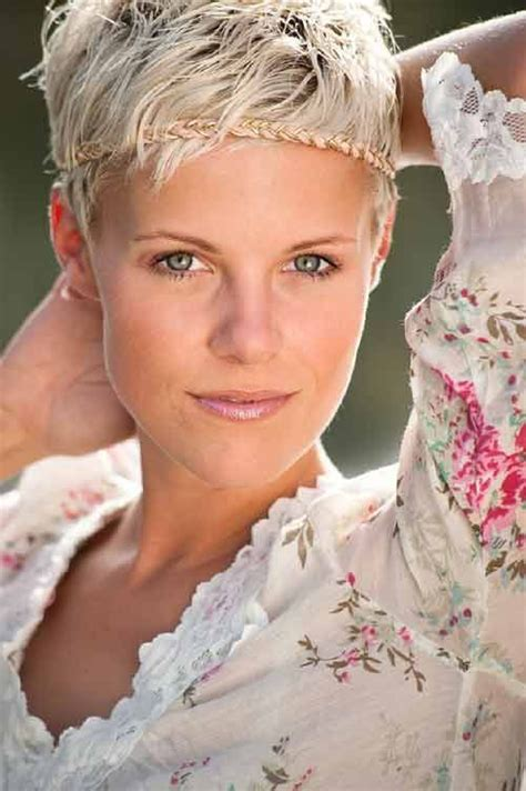 hairstyles with haedband accessories video 25 best ideas about pixie cut headband on pinterest