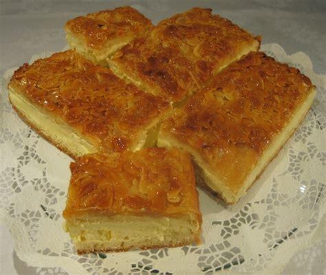 bienenstich kuchen mit hefeteig bienenstich rezept mit bild