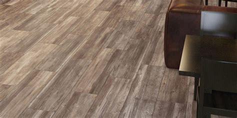 pavimento in legno in cucina scegliere il pavimento della cucina effetto legno