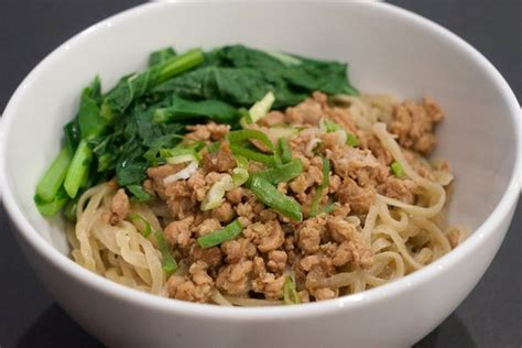 membuat mie ayam yang mudah resep mie ayam bangka yang lezat disantap saat musim hujan
