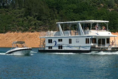 shasta lake houseboating activities on lake shasta - Fishing Boat Rentals Shasta Lake