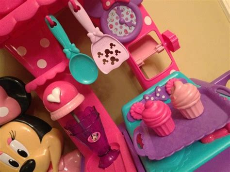 Minnie Mouse Bow Tique Flippin Kitchen by Minnie Mouse Bow Tique Flippin Kitchen Review