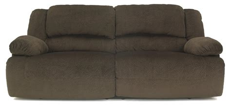 signature design by ashley barrettsville 2 seat reclining sofa signature design by ashley toletta chocolate casual