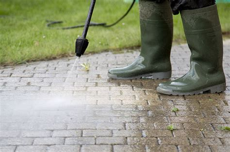 Patio Pressure Washer by Patio Pressure Washing A How To Guide Aquawave