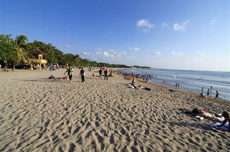 kuta beach gallery