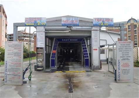 lavaggi interni auto 2 lavaggi auto esterni e sottoscocca trattamento e