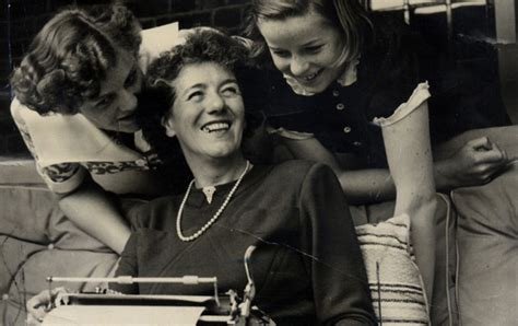 biography of enid blyton enid blyton biography books and facts