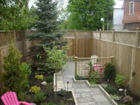 narrow backyard landscaping ideas 28 plain narrow backyard landscaping ideas izvipi
