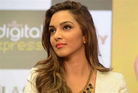 kiara advani hot pics free kiara advani hot actress hd photos free wallpapers