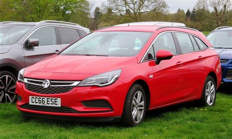 Opel Vauxhall by Vauxhall Astra