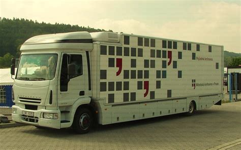 blibli obu cargodesign bibliobus mobile library 5 2004