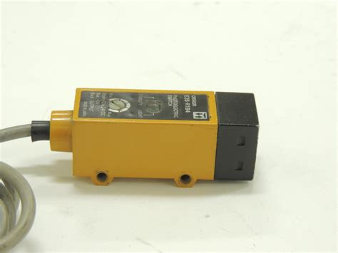 Photoelectric Switch used omron photoelectric switch e3s r1b4 pnp 12v 24v supply