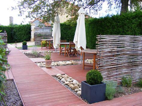 Amenagement De Jardin Et Terrasse by Am 233 Nagement D Une Terrasse Jardin Horenove