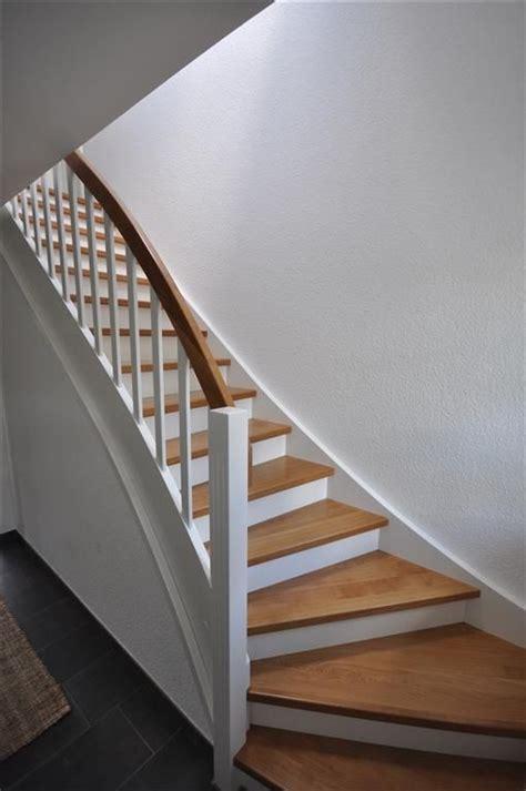 wangentreppe weiss und eiche geschlossene stufen