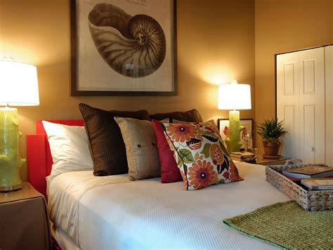 how many bedrooms am i entitled to with housing benefit guest bedroom photos hgtv green home 2009 hgtv green