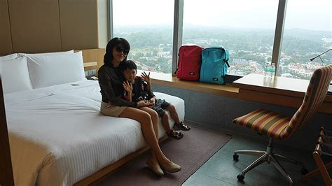 Cabin Luggage Singapore by Giveaway I Found The Best Lightweight Maximum Storage