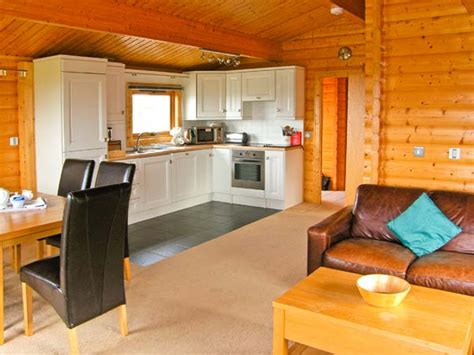 Log Cabin Holidays In Wales Pets Welcome by Ty Pren In St Davids This Single Storey Detached Cabin
