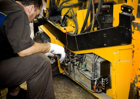 Forklift Technician by Material Handling Equipment Maintenance Gregory Poole Equipment