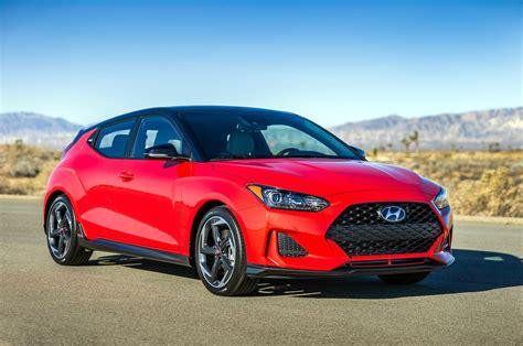 hyundai veloster turbo red refreshing or revolting 2019 hyundai veloster motor trend