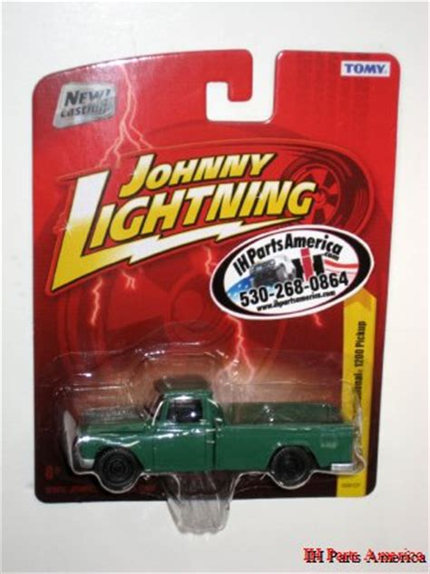 Internasional Scout 1200 1965 Scala 1 64 By Johnny Lightning johnny lightning release 26 1 64 scale diecast 1965 international harvester green 1200 ih