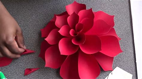 How To Make A Flower In A Paper - paper flower
