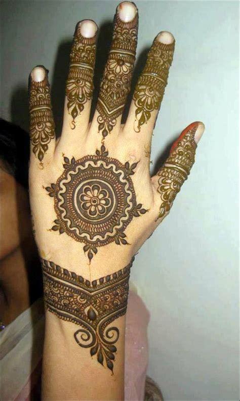 henna design in dubai 41 dubai mehndi designs that will leave you captivated