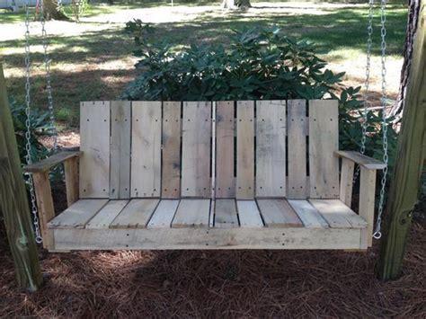 10 Pallet Yard Swing Ideas in Your Backyard   Pallets Designs