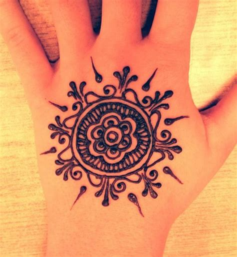 henna tattoos or motifs awesomeness pinterest henna