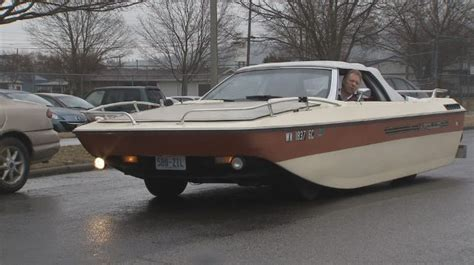 car boat hybrid sails through spokane streets things - Car Boat Media S A S