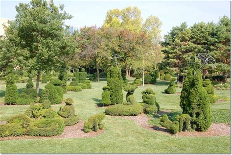 topiary park columbus ohio 2 wired 2 tired travels pistacia vera and topiary park