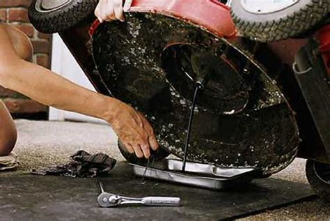 lawnmower repair repairing hullbridge lawn mower repair repairing rayleigh essex