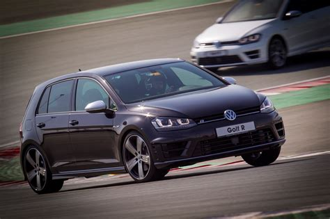 volkswagen dubai 2014 volkswagen golf r tested at dubai autodrome gcc