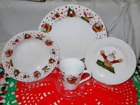 vintage christmas dinnerware set 16 piece porcelain china